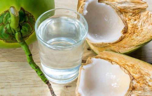 Nước dừa là thực phẩm gây sảy thai tự nhiên
