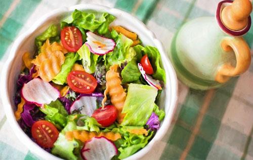 Ăn nhiều rau củ để hỗ trợ chữa bệnh trĩ nội độ 2 hiệu quả