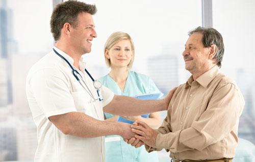 Thăm khám bệnh ngay khi có dấu hiệu tái phát nứt kẽ hậu môn