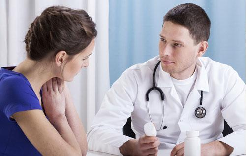 Để ngăn chặn tiêu chảy gây trĩ bạn nên đến để bác sĩ thăm khám