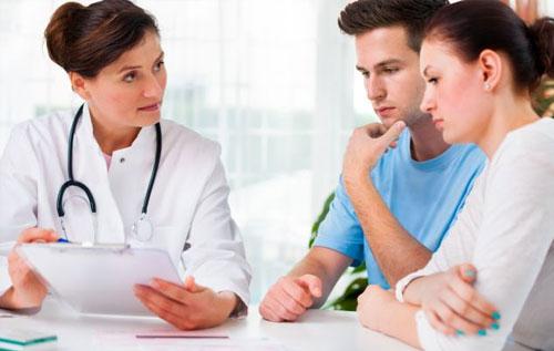 Thăm khám tại cơ sở y tế ngay khi có biểu hiện bất thường