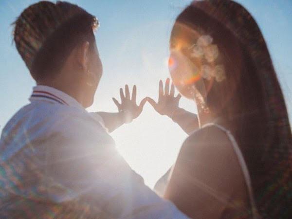 Nam Bảo Bình và nữ Ma Kết dễ viết lên một tình yêu đẹp. - Bảo Bình hợp cung nào