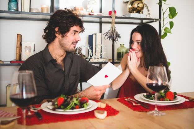 Bữa tối lãng mạn luôn khiến chàng phải xiêu lòng - quà sinh nhật cho nam giới