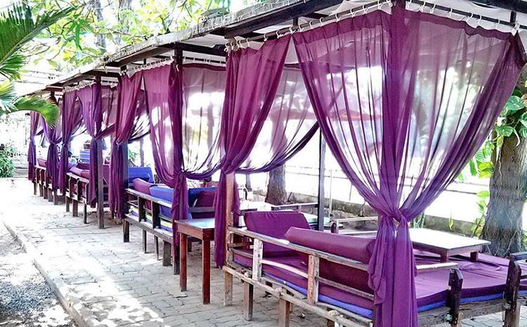 Không gian màu tím đặc trưng của Relax Garden