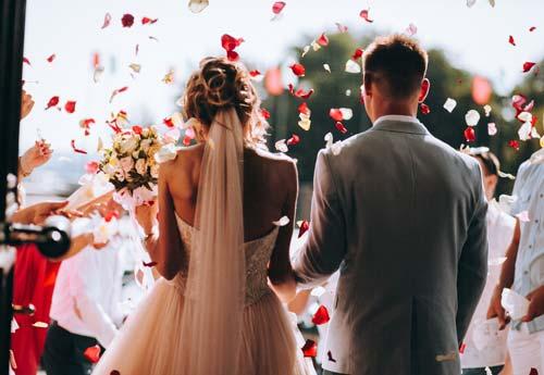 Hôn nhân không hẹn hò giúp các cặp đôi tiết kiệm thời gian