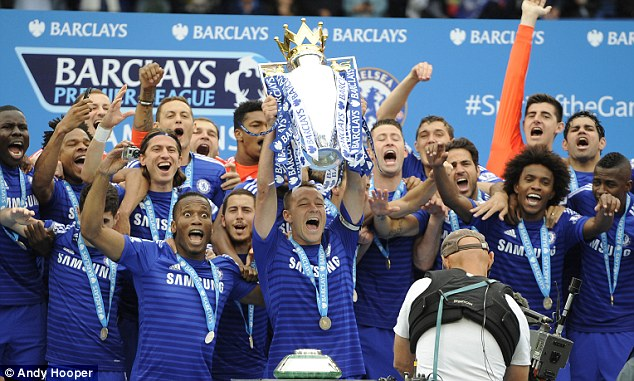 Chelsea lên ngôi vô địch Premier League 2016-17. Nguồn ảnh: dailymail.co.uk